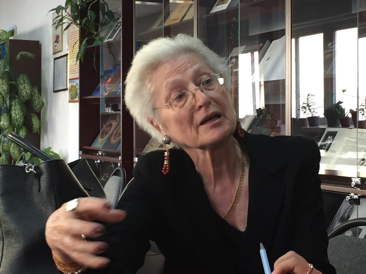 Беатрис Пикон-Валлен: Театрдың не екенін білмей жатып спектакль туралы айтатындар көп
