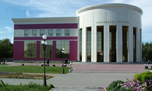 """Театр маусымы """"№ 13"""" комедиясының тұсаукесерімен ашылады"""