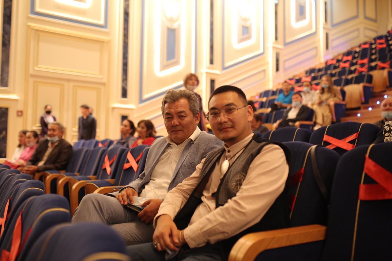 Айболат Жанғалиұлы, Уланмырза Карыпбаев